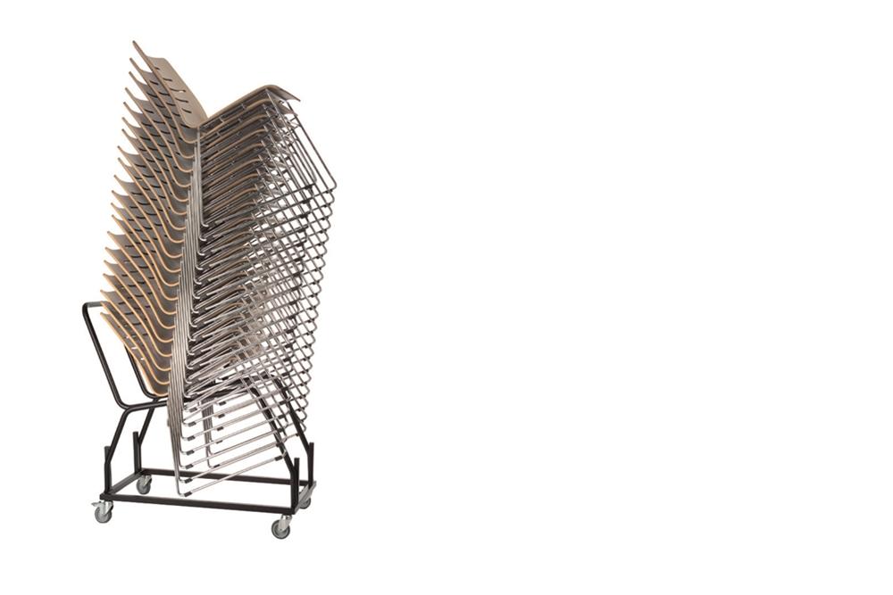 Stuhltransportwagen 522 mit Stapel Holzschalenstühlen