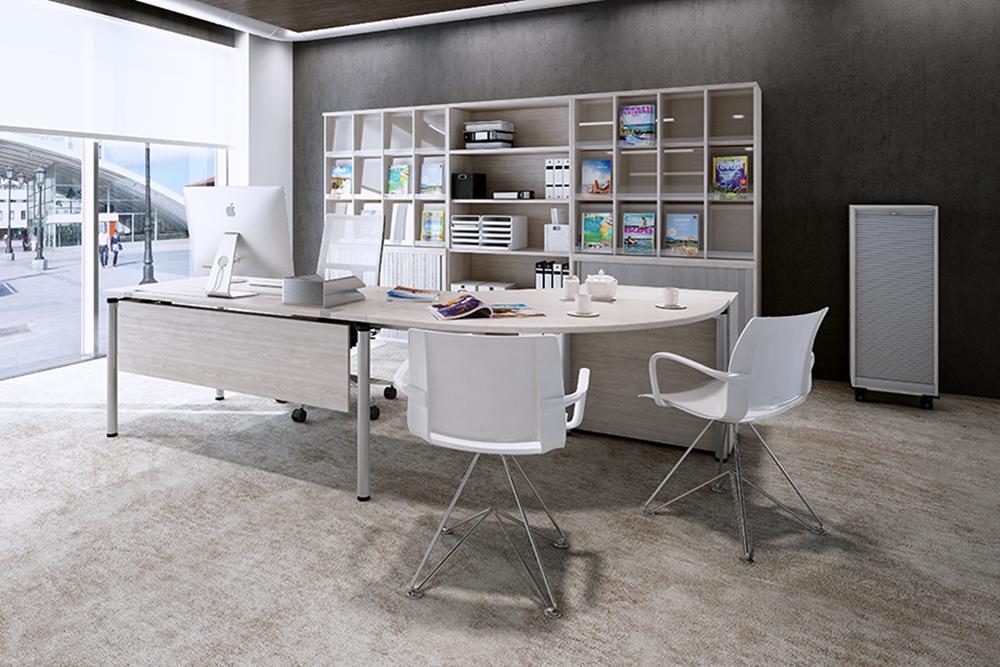 ein Schreibtisch OKA R 50